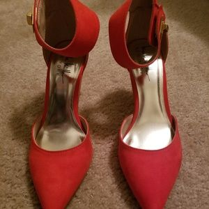 Nicole Miller Red Sexy shoes. Size 7.5